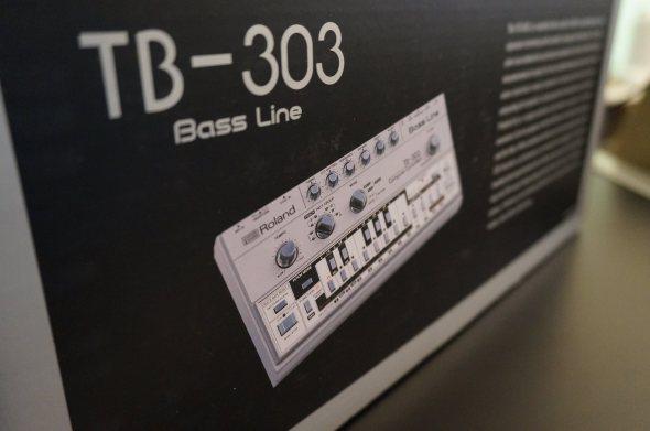 tb-303-boxed